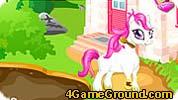 Пони играет