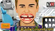 Джастин Бибер лечит зубы