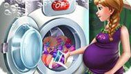 Игра Холодное сердце: Беременная Анна стирает