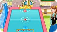 Игра Холодное сердце: Эльза и Анна играют в аэрохоккей